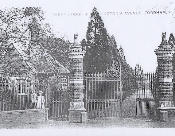 Approach to the house in 1901
